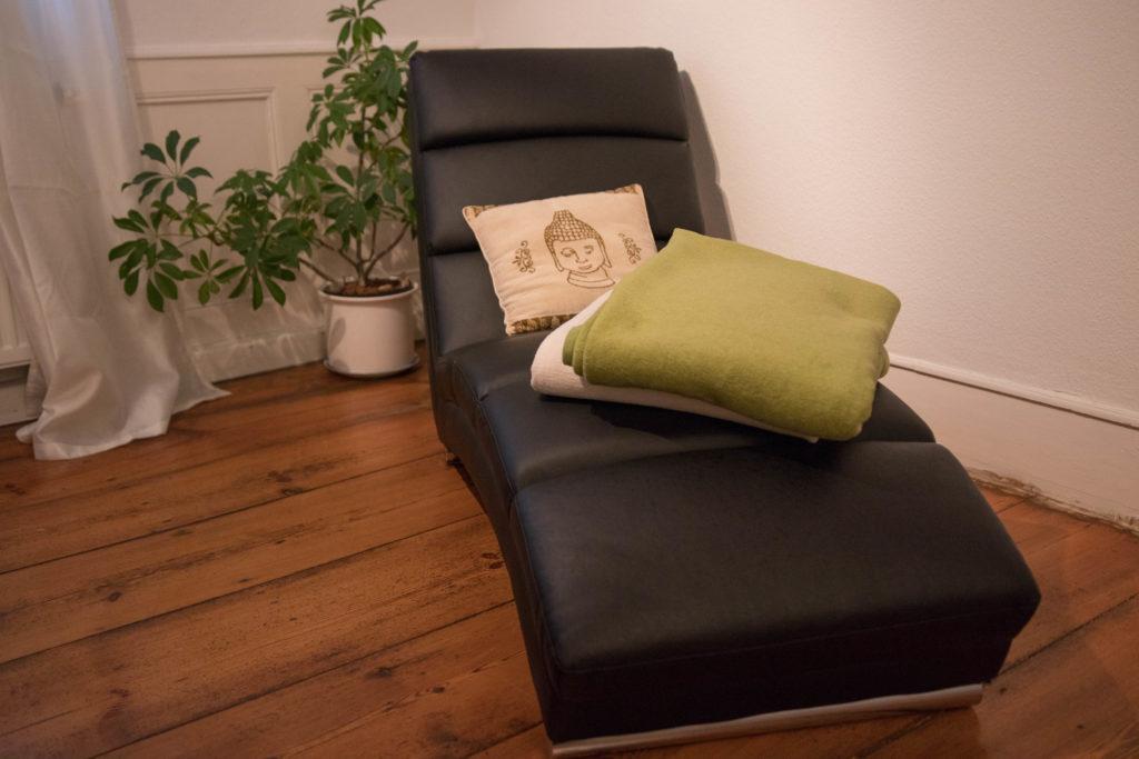 Hypnosetherapie Liege in meiner Praxis in Wertheim